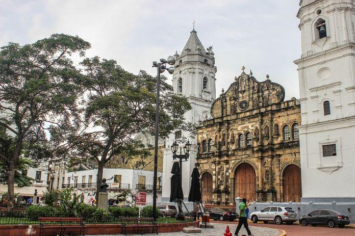 1024px-catedral_metropolitana_de_panama_cc_81-0